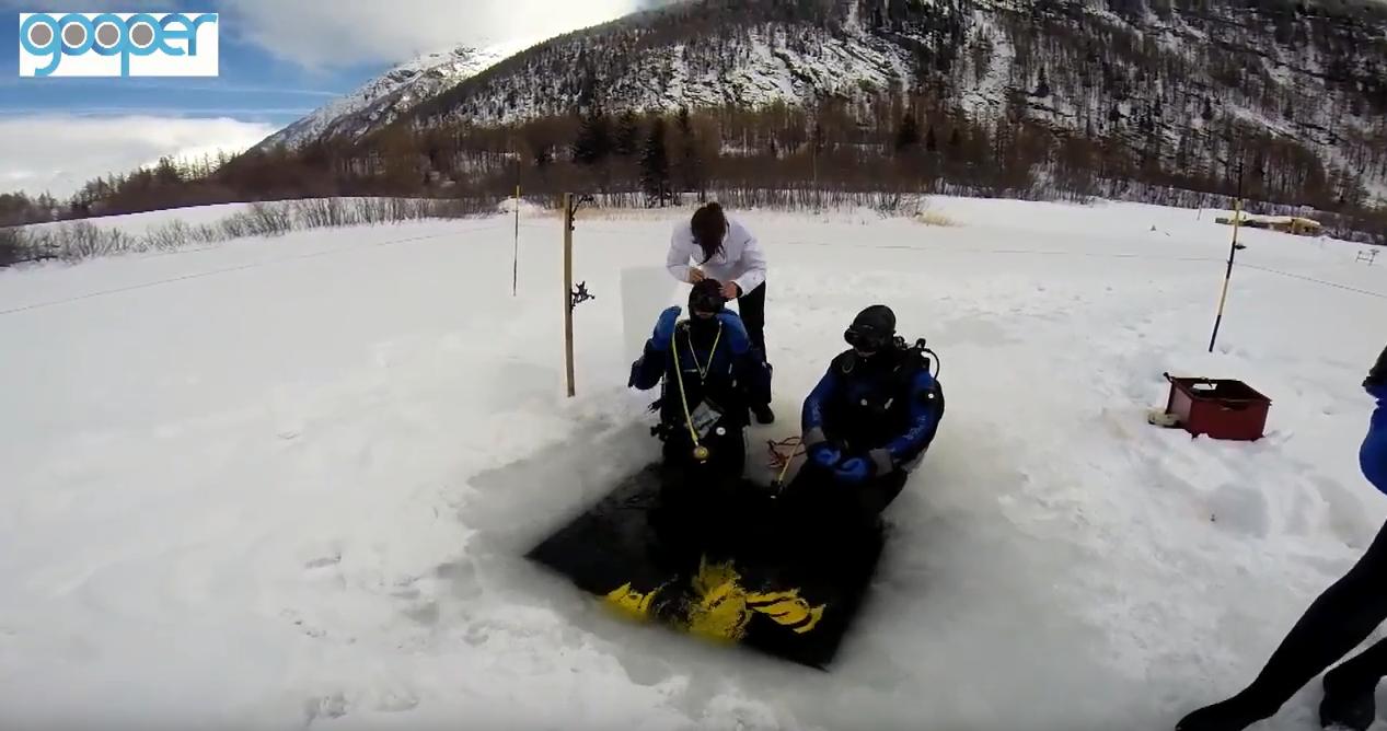 aquazoom - plongée sous glace bessans